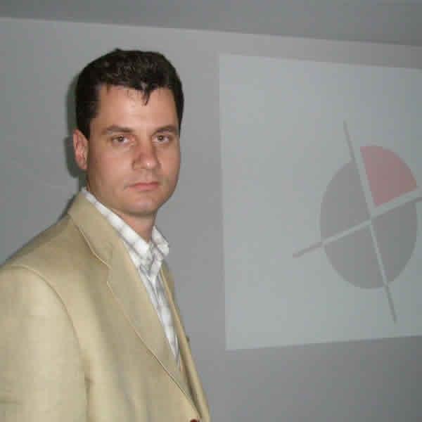 Презентация на тема интернет сайтове Мартин Каменов